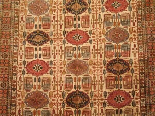 שטיח פרסי בעבודת יד ובמבחר דוגמאות