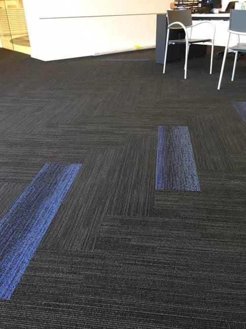 שטיח קיר לקיר