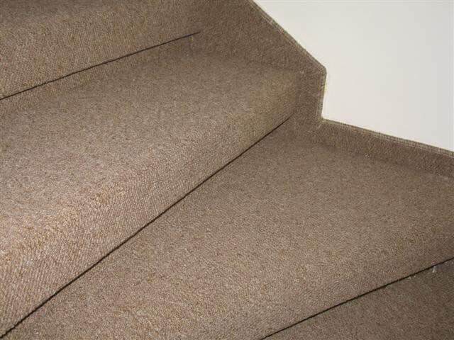 שטיח למדרגות